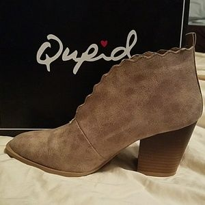 Qupid Taupe Booties